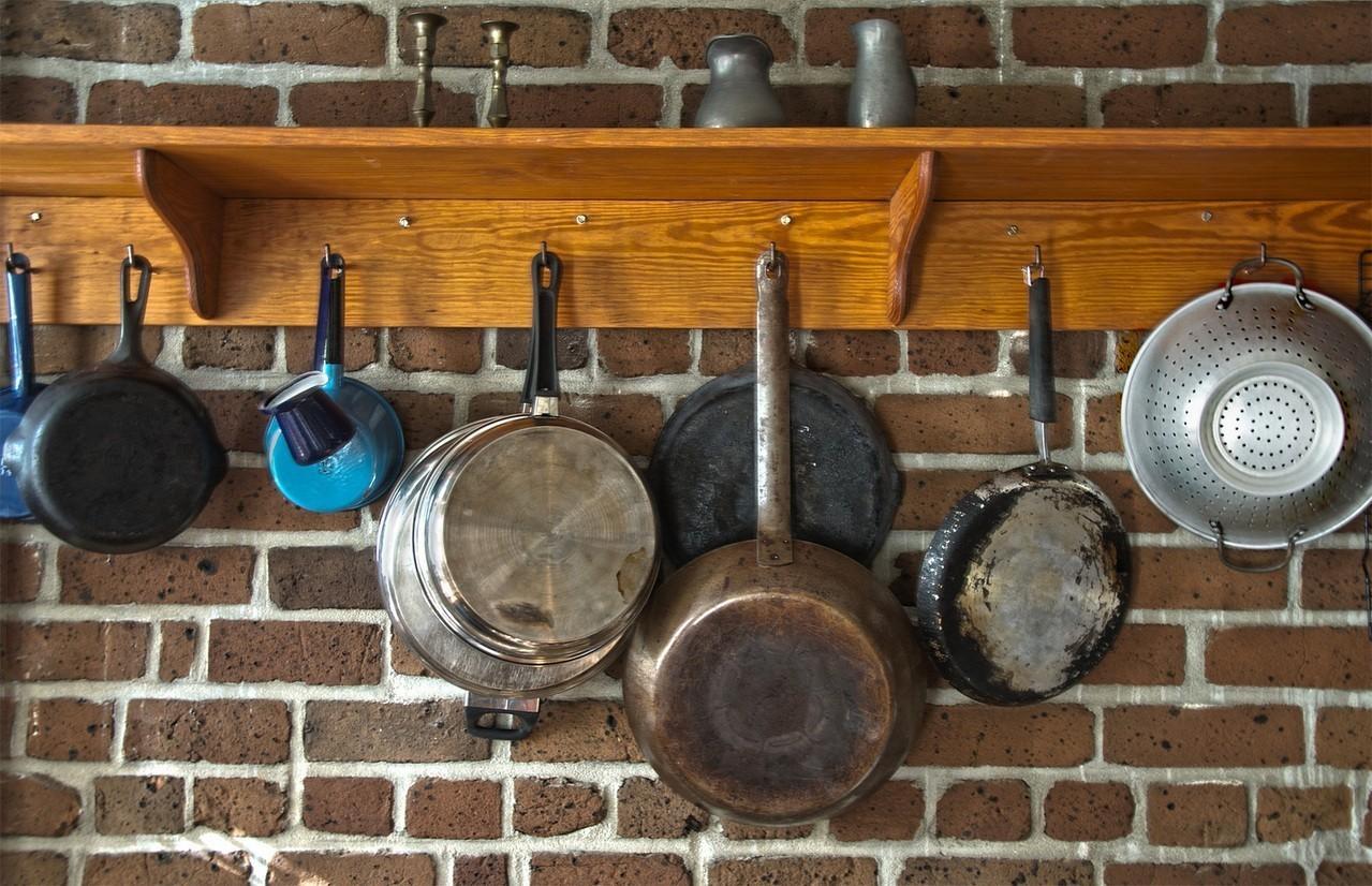 Jak odmienić kuchnię w szybki i tani sposób?